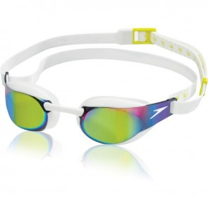 There are many benefits to Speedo goggles.